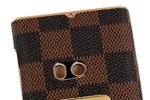 Защитная крышка для Nokia N9 Louis Vuitton (Коричневый/клетка) (упаковка прозрачный бокс)